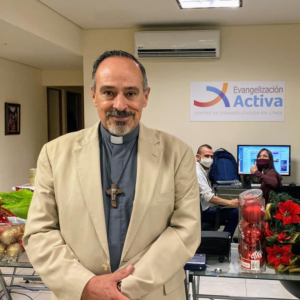 Pbro. Ernesto María Caro